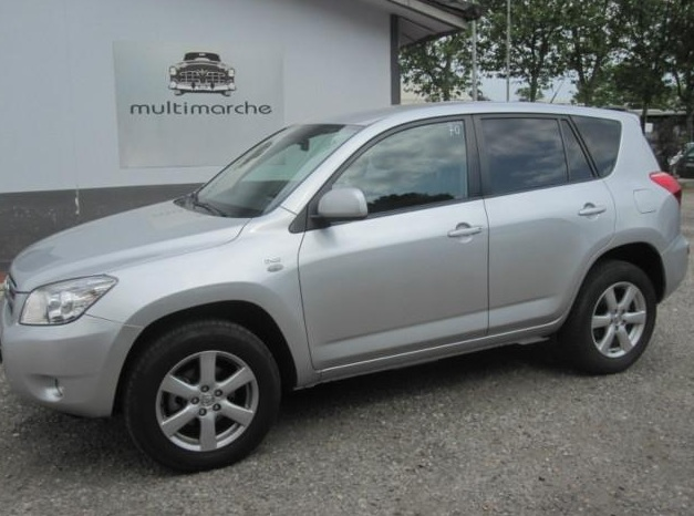 TOYOTA RAV 4 2.2 D-4D Sol